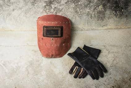 plasmaschneider-zubehoer-helm-handschuhe